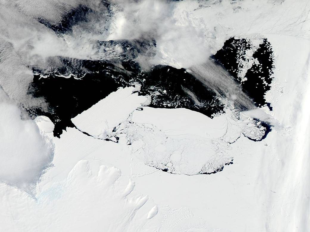 Iceberg Collision in Antarctica