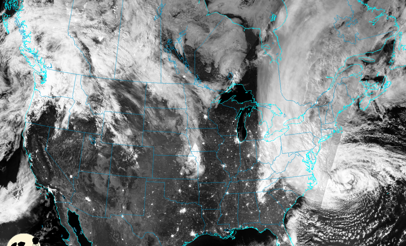 NASA/NOAA's Suomi NPP Captures Night-time View of Sandy's Landfall