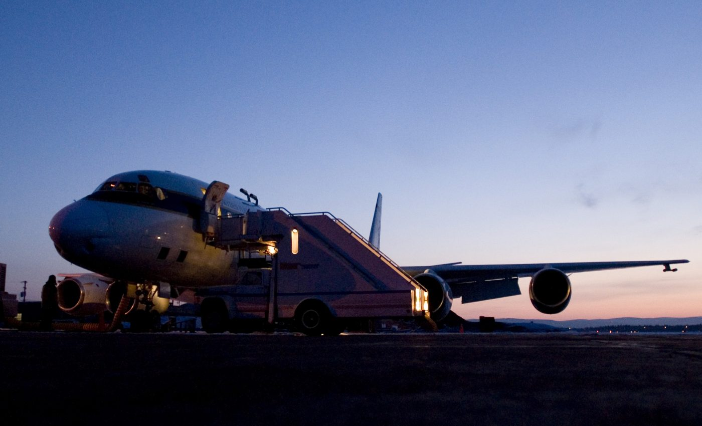 DC-8 at Dawn