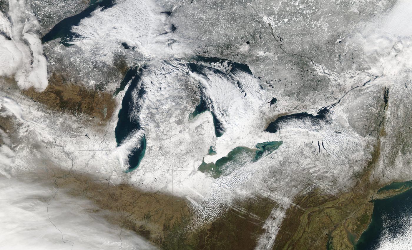 Snow Around the Great Lakes