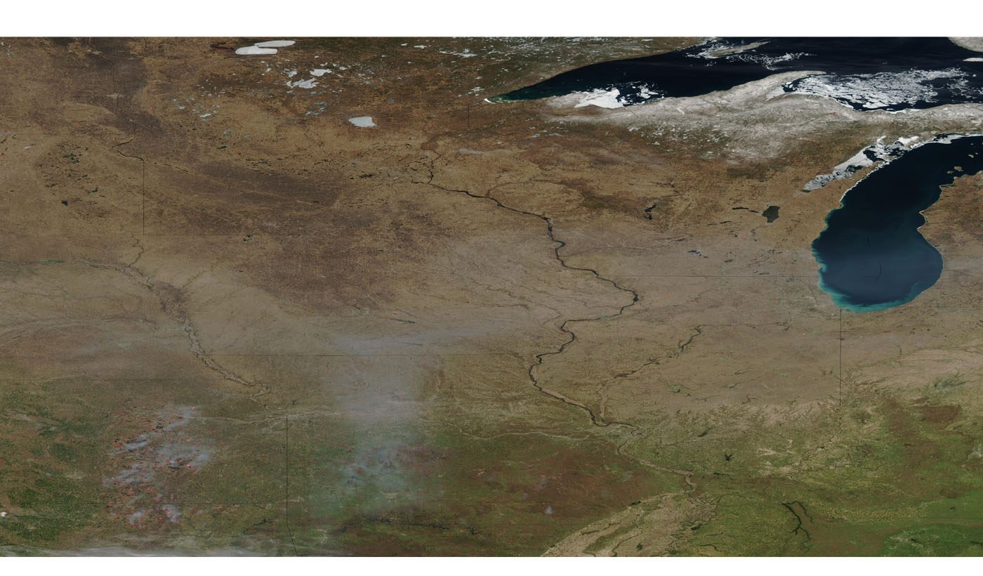 Fires and Smoke in Central United States