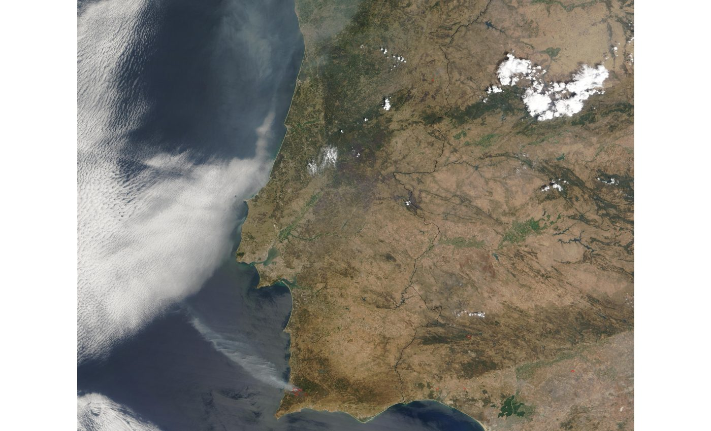 Fires and Smoke in Portugal