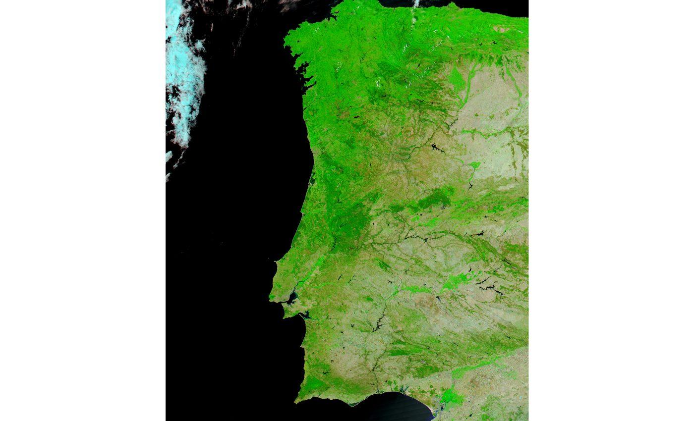Portugal (False Color, Before Fires)