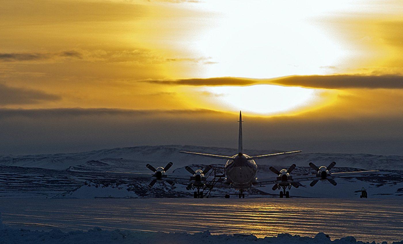 P-3B Waiting to Start the Day