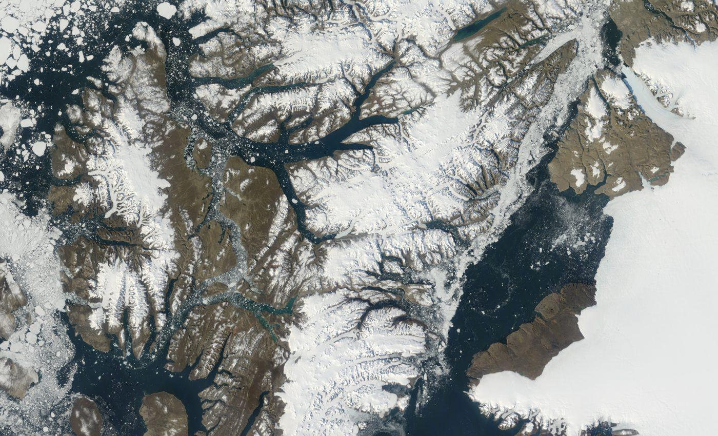 Ice Shelves Retreat on Ellesmere Island