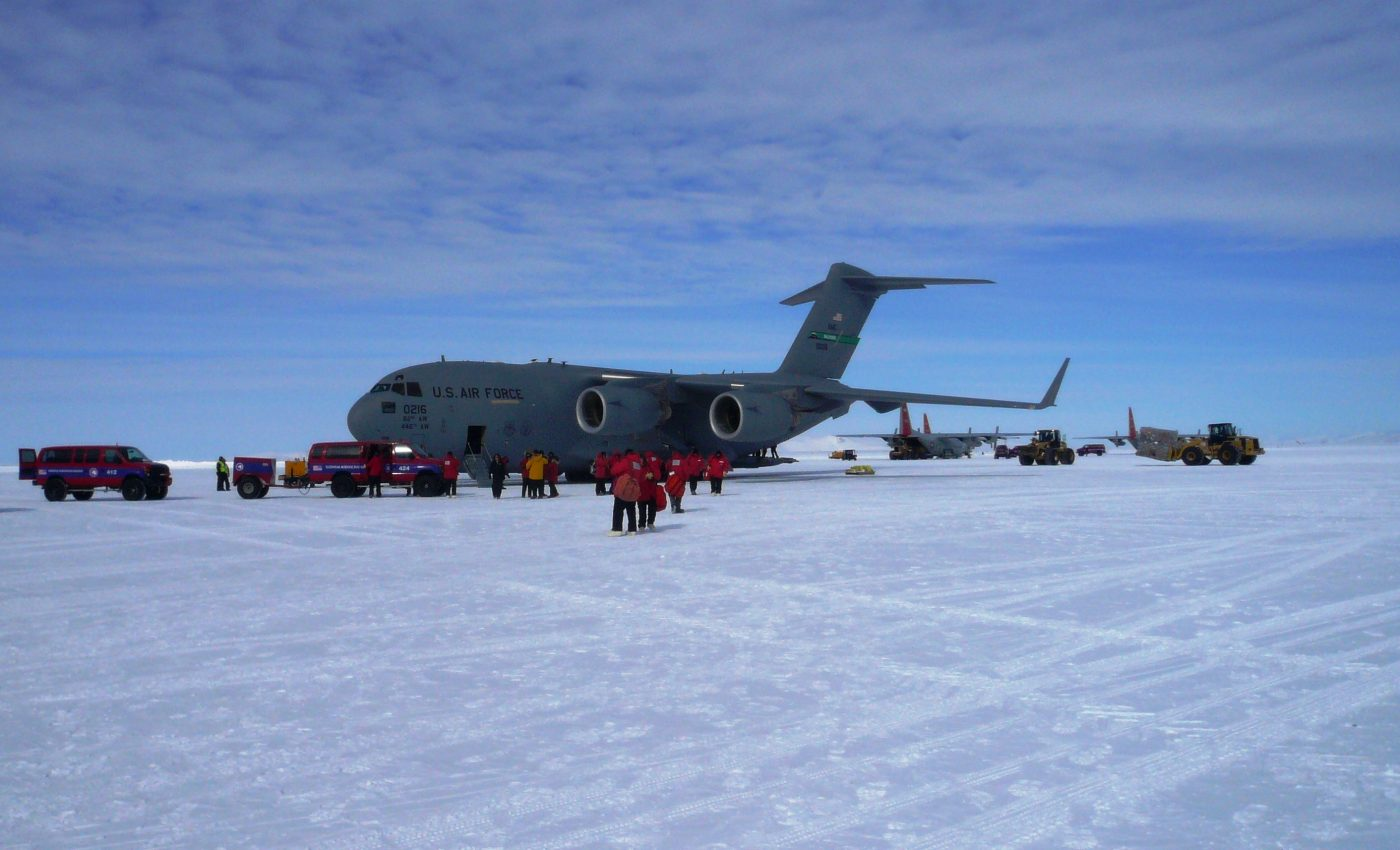 IceBridge Team Arrives at McMurdo Station