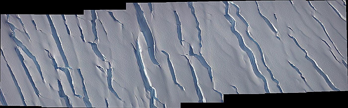 Crevasses in the MacAyeal Ice Stream