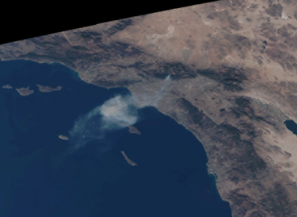 Suomi-NPP Satellite Sees Smoke from the Colby Fire