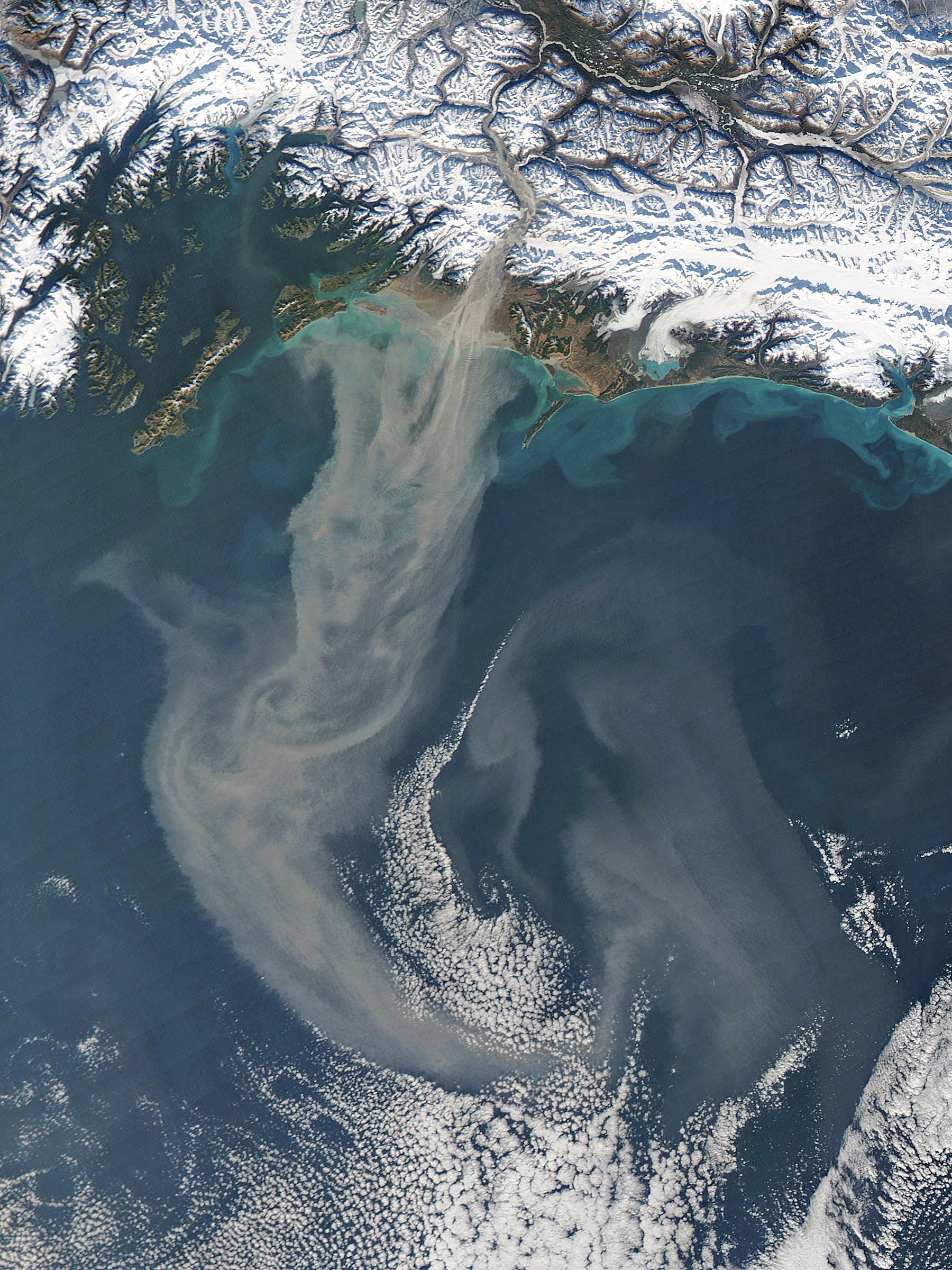 spectacular dust storm off of Alaska