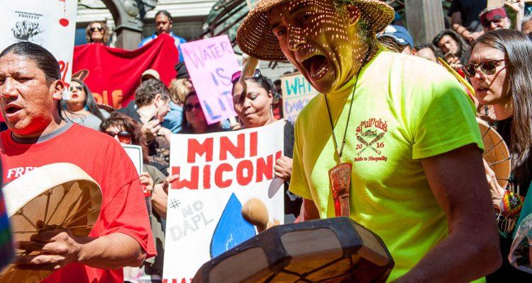 Dakota Access oil pipeline protest