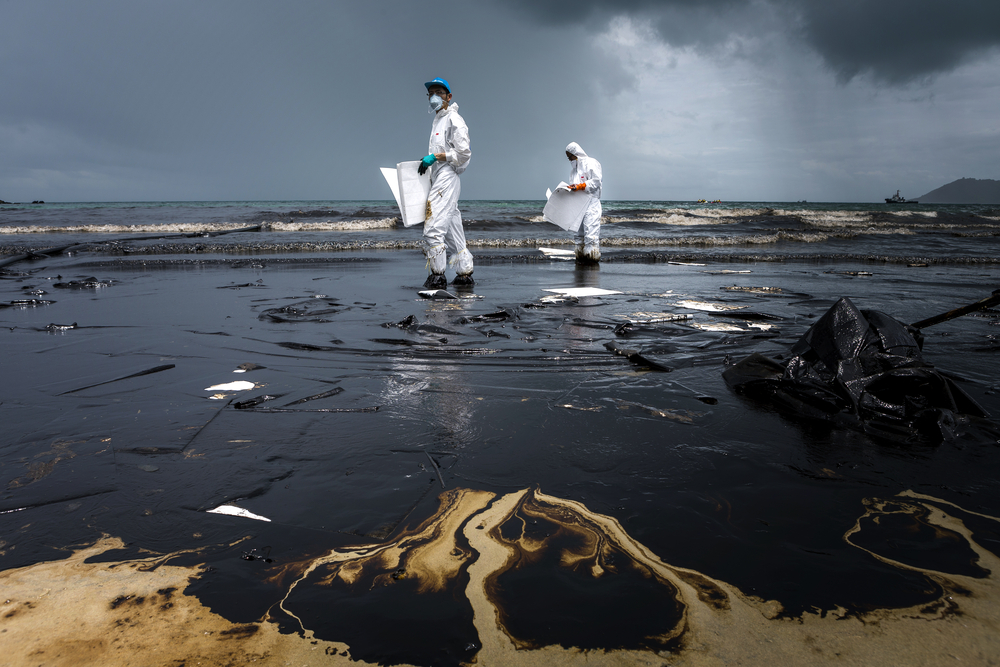 A UK judge has dismissed a case brought against Shell by the people of several Nigerian communities who argue the parent company should be held responsible.