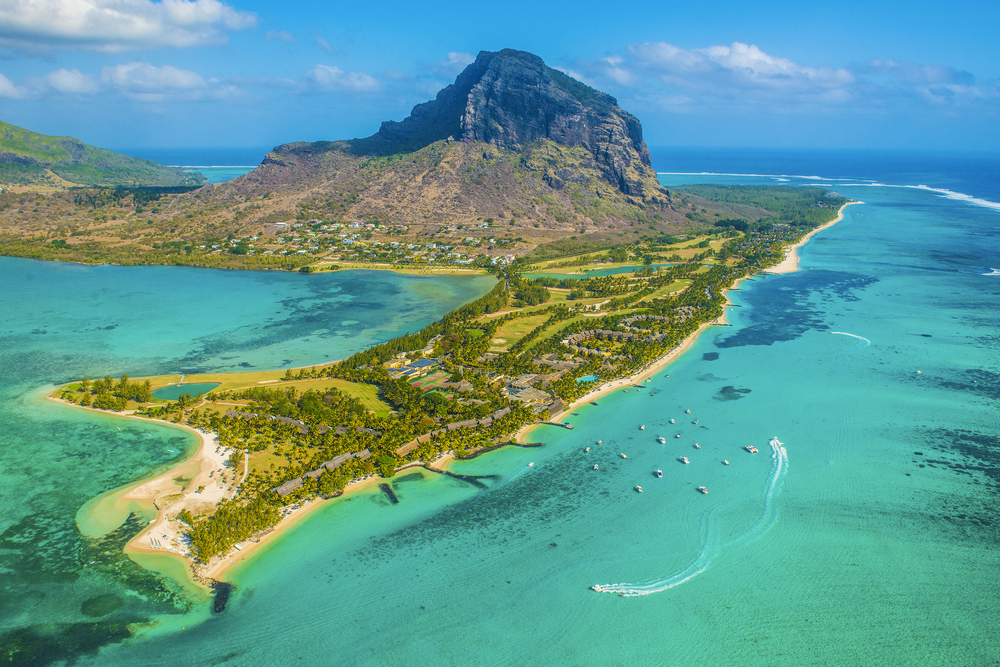 Under the white-sand island of Mauritius, scientists have discovered a piece of a lost continent from approximately 200 million years ago.
