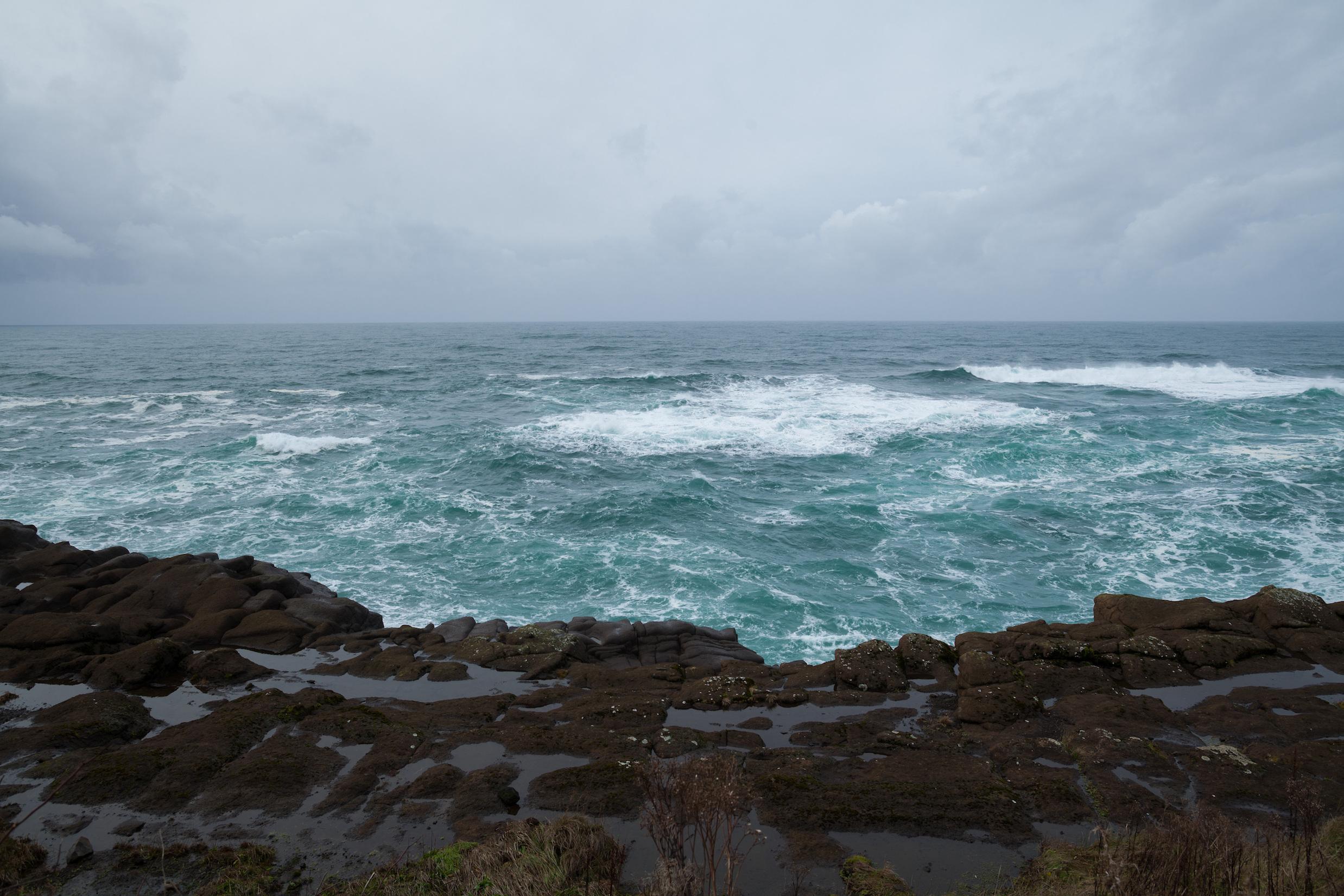 An unusual blob of ocean water alters west coast weather