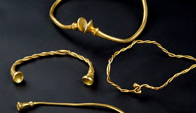 This past December, a pair of treasure seekers unearthed four pieces of jewelry that may very well be the oldest Iron Age gold in Britain.