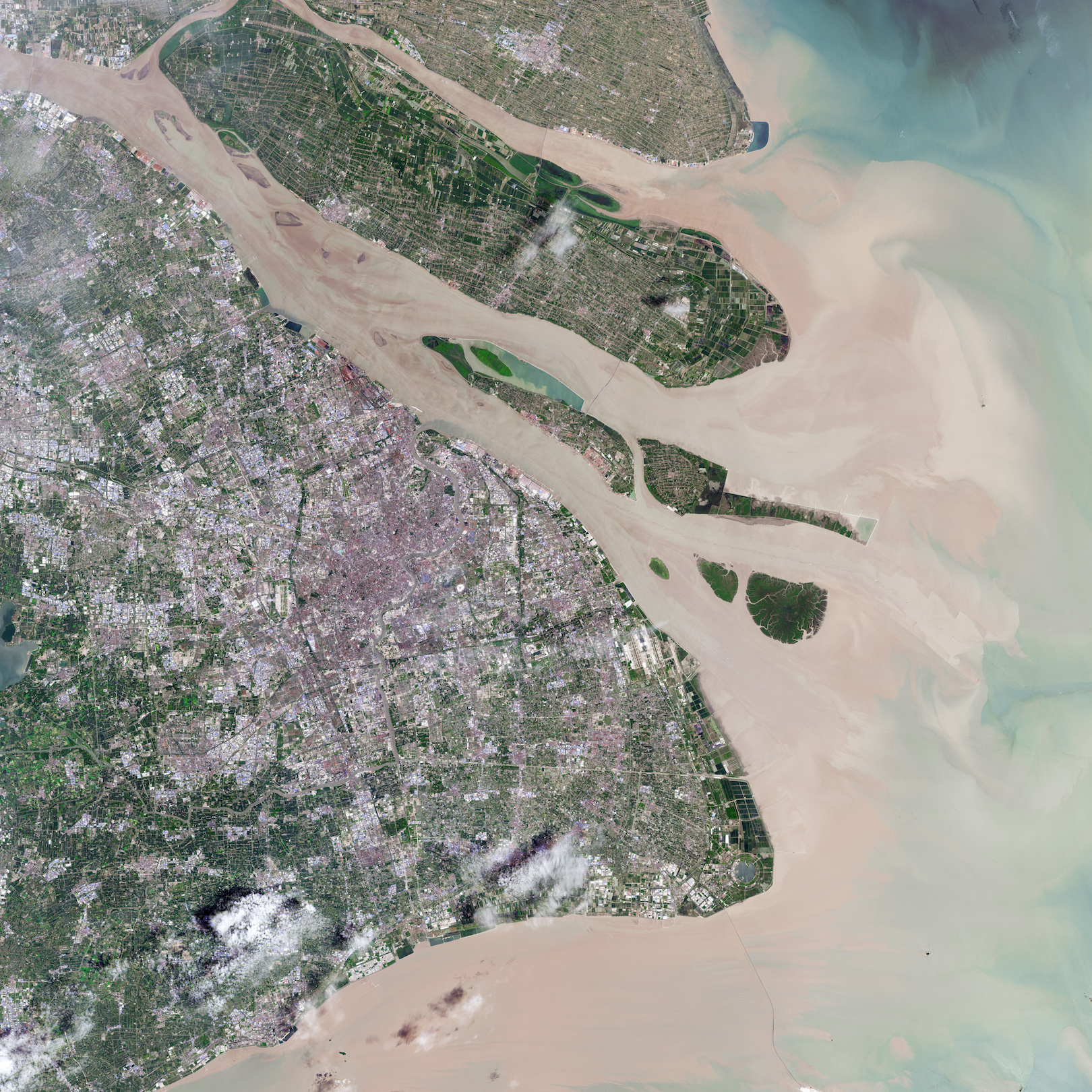 Today's Image of the Day comes courtesy of the NASA Earth Observatory and features a look at the Qingcaosha freshwater reservoir in Shanghai.