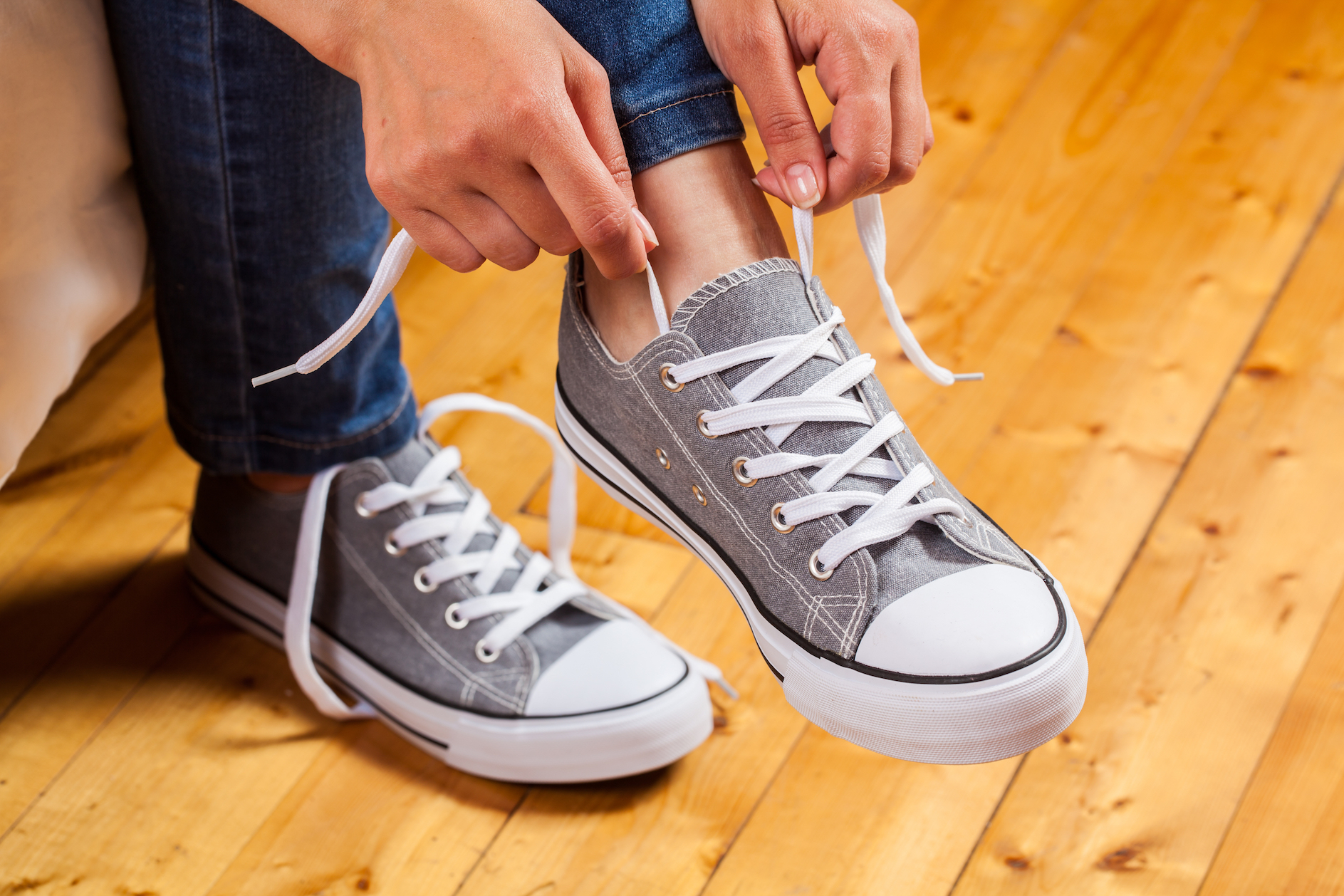 A team of mechanical engineers from UC Berkeley just came out with a study to show why your shoelaces may keep coming untied.