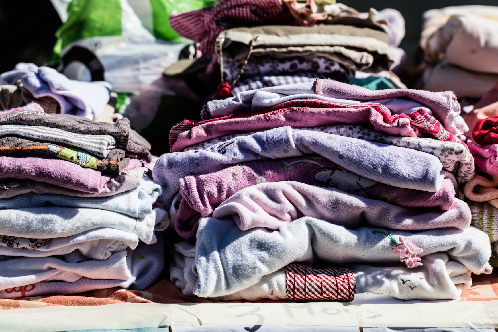Pollution caused by the clothing we throw away, as well as by the process of making and dyeing clothes, contributes heavily to the release of CO2.