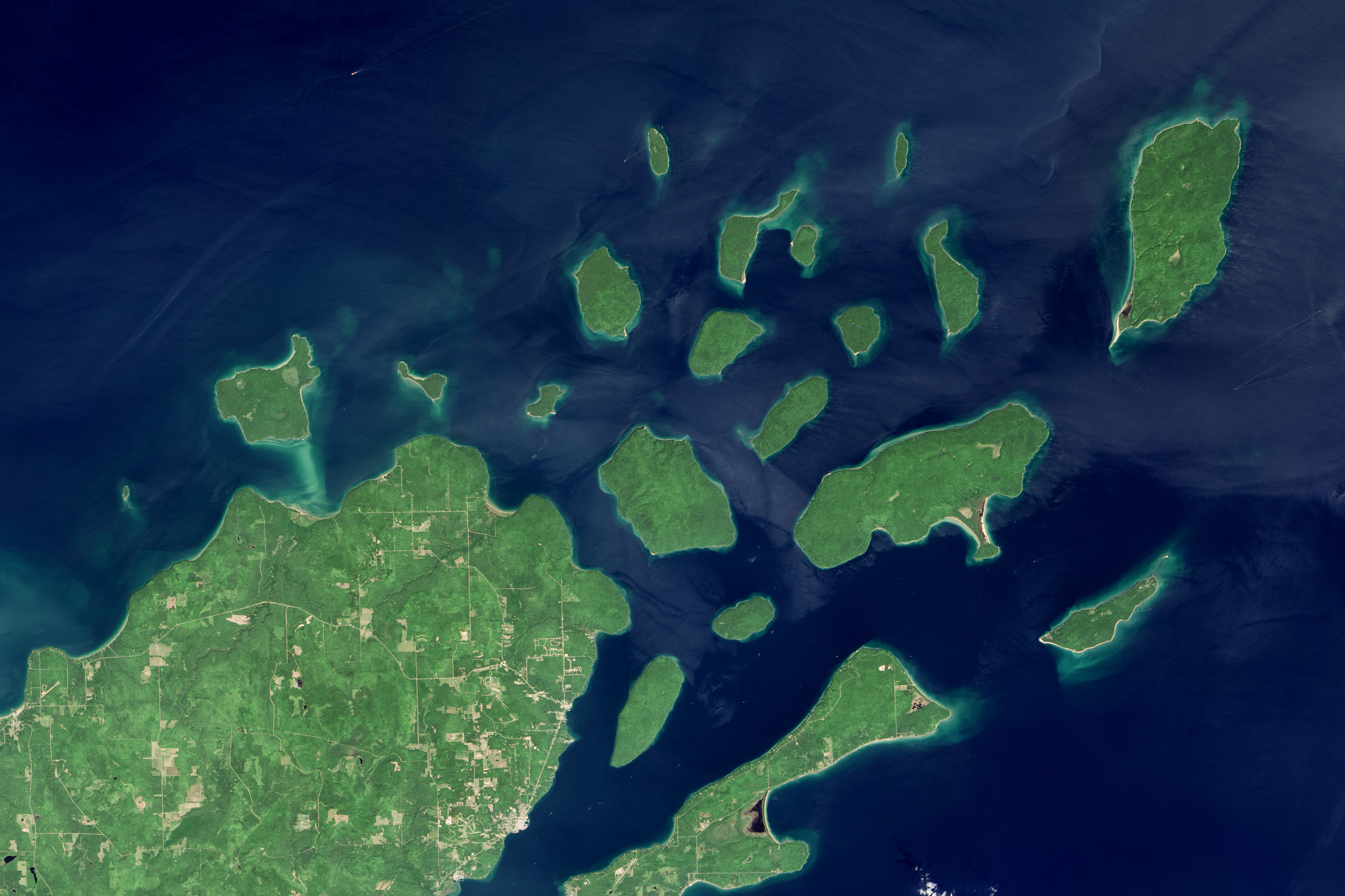 Today's Image of the Day comes thanks to the NASA Earth Observatory and features a look at the Apostle Islands of Lake Superior.