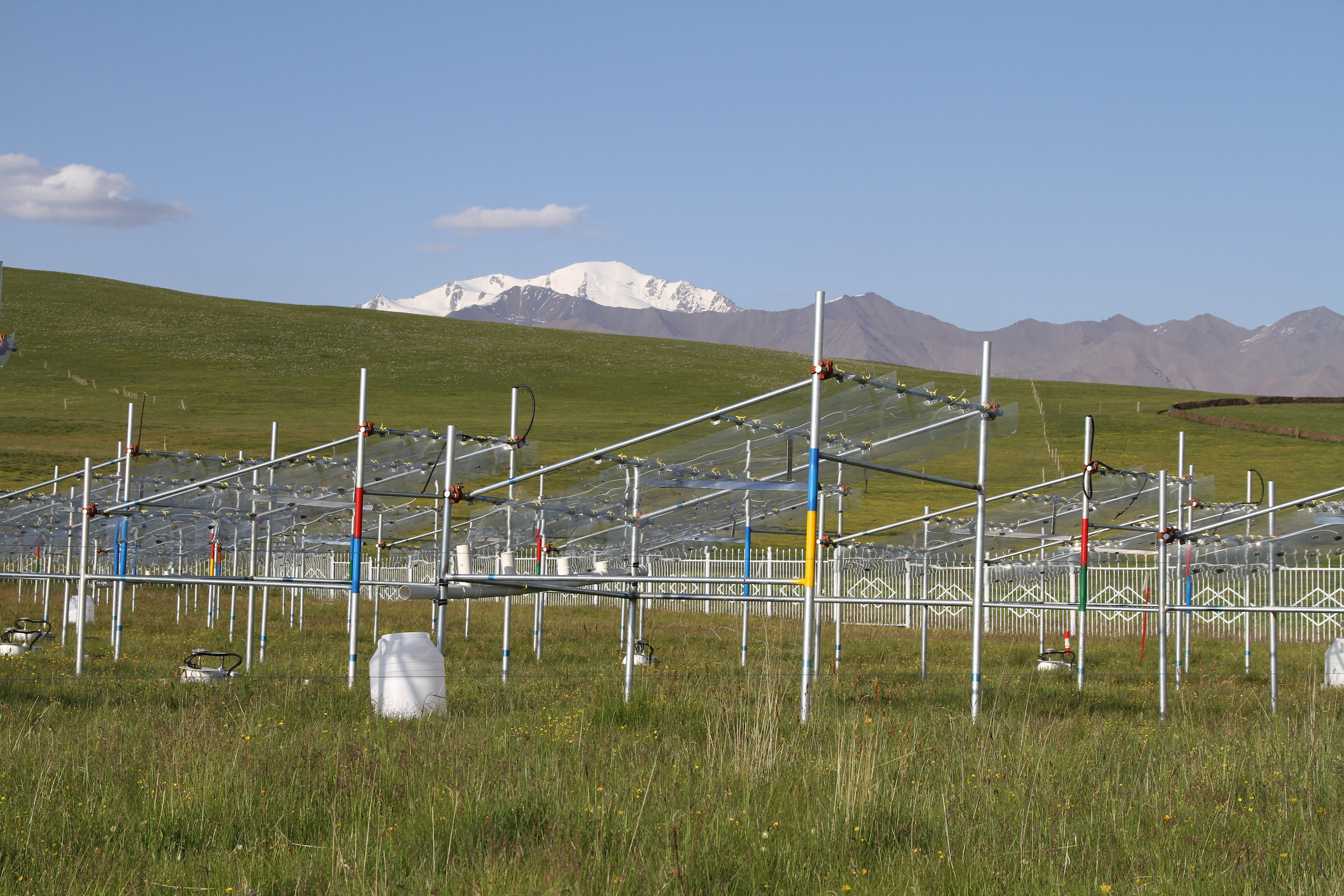 A warming climate could jeopardize the livelihoods of farmers and herders on the alpine grasslands in Asia's Tibetan Plateau.