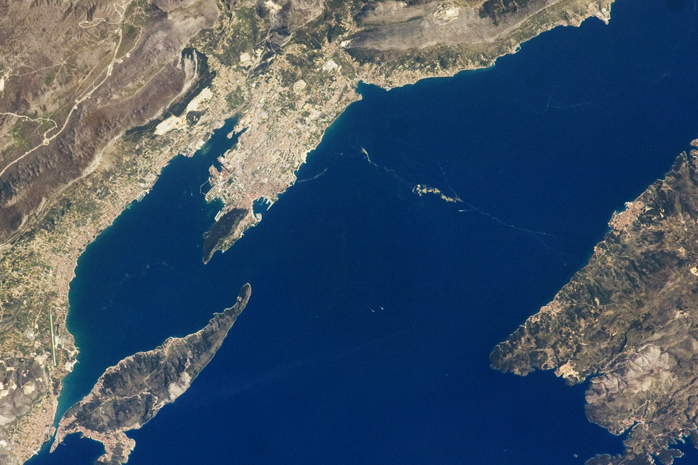 Today's Image of the Day comes thanks to the NASA Earth Observatory and features a look at the Dalmatian Coastline in the Adriatic Sea.