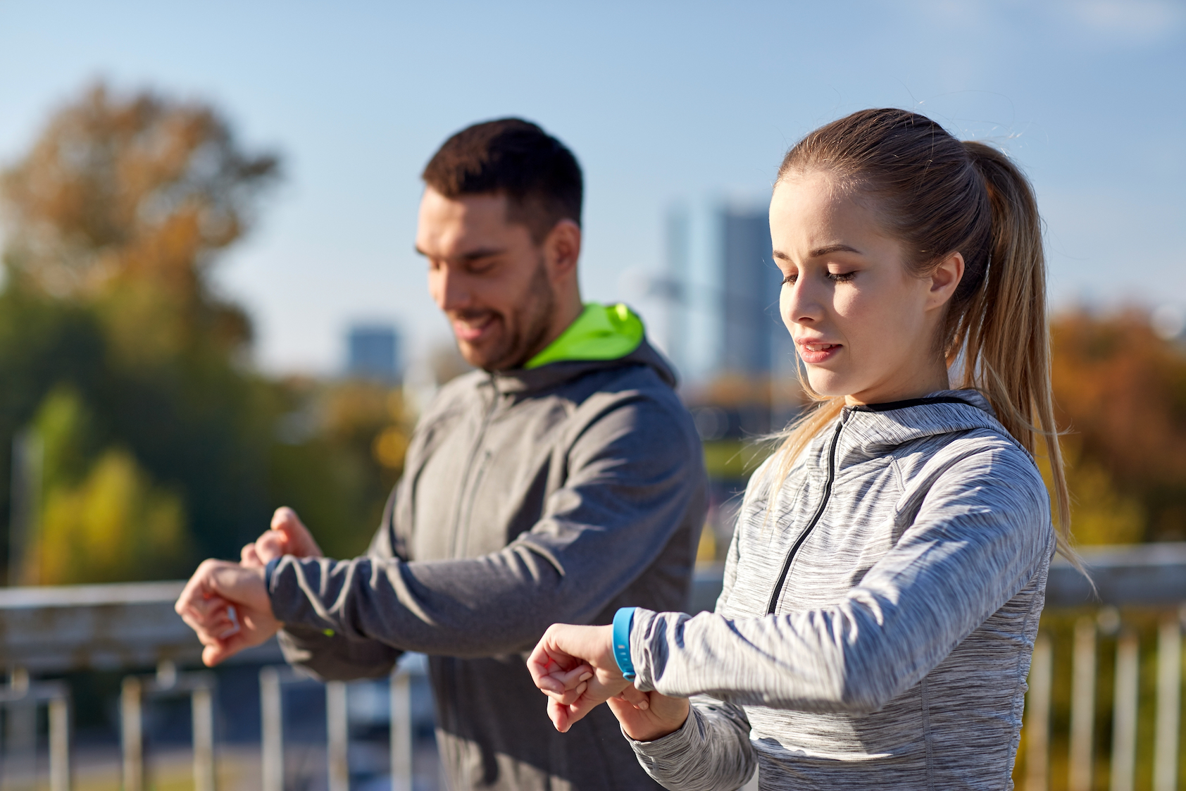 Wristband fitness trackers such as Fitbit and Apple Watch accurately measure heart rate but miss the mark on how many calories are burned.