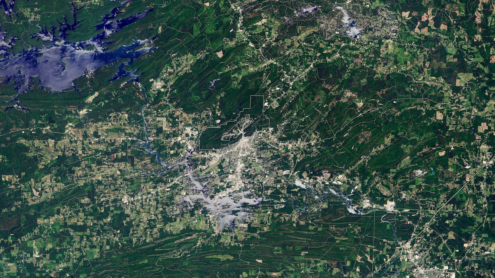 Today's Image of the Day comes thanks to the NASA Earth Observatory and features a look at Hot Springs National Park in Arkansas.