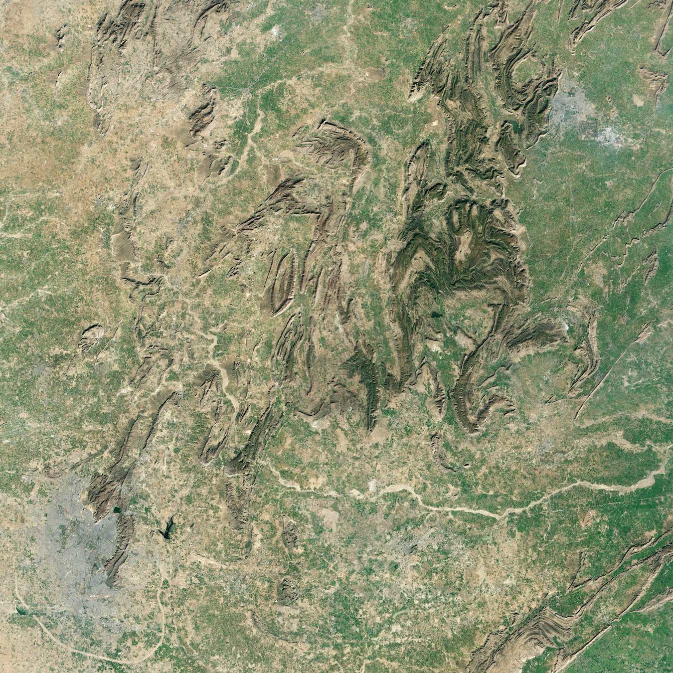 Today's Image of the Day comes thanks to the NASA Earth Observatory and features a look at the Aravalli mountain range in India.