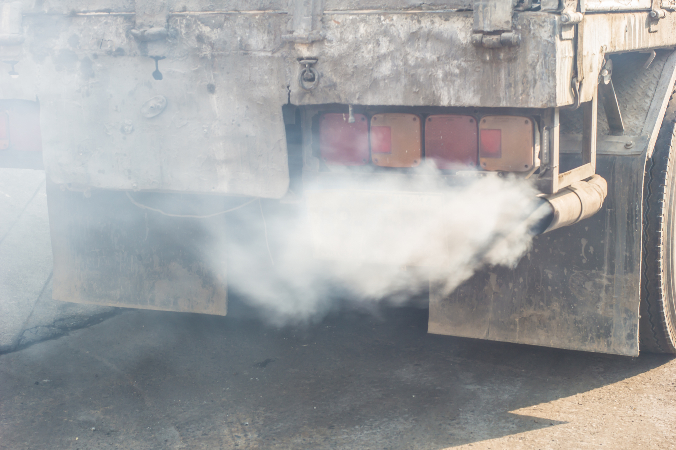 A breakthrough will make buses and service trucks more environmentally friendly by reducing their emissions while idling.