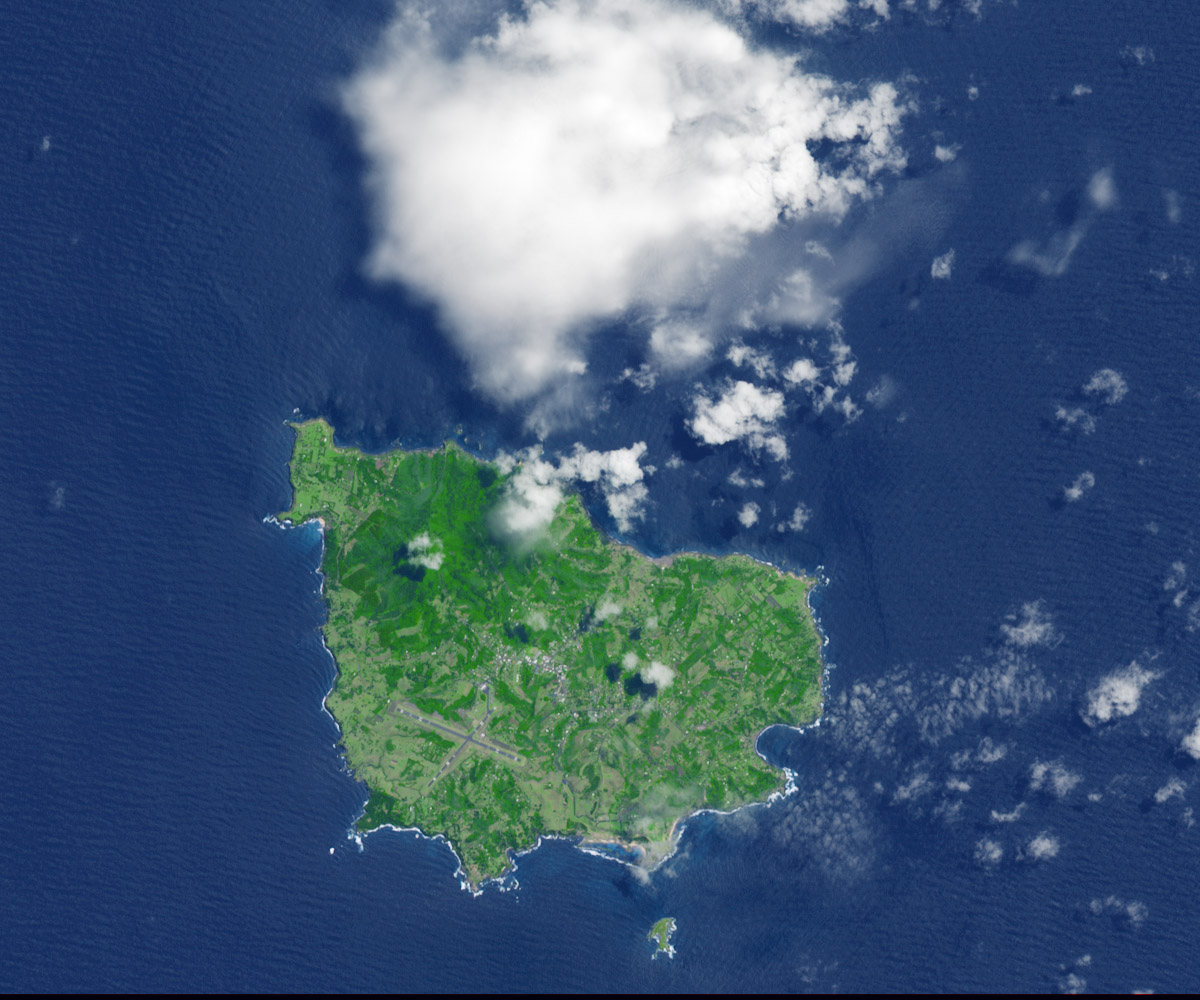 Today's Image of the Day comes thanks to the NASA Earth Observatory and features a look at Norfolk Island in the Pacific Ocean.