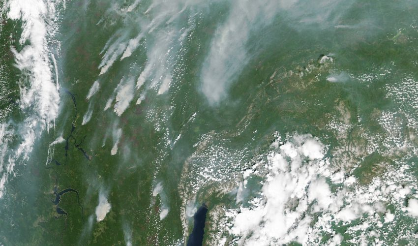 Today's Image of the Day comes thanks to the NASA Earth Observatory and features a look at wildfires burning across southern Siberia.