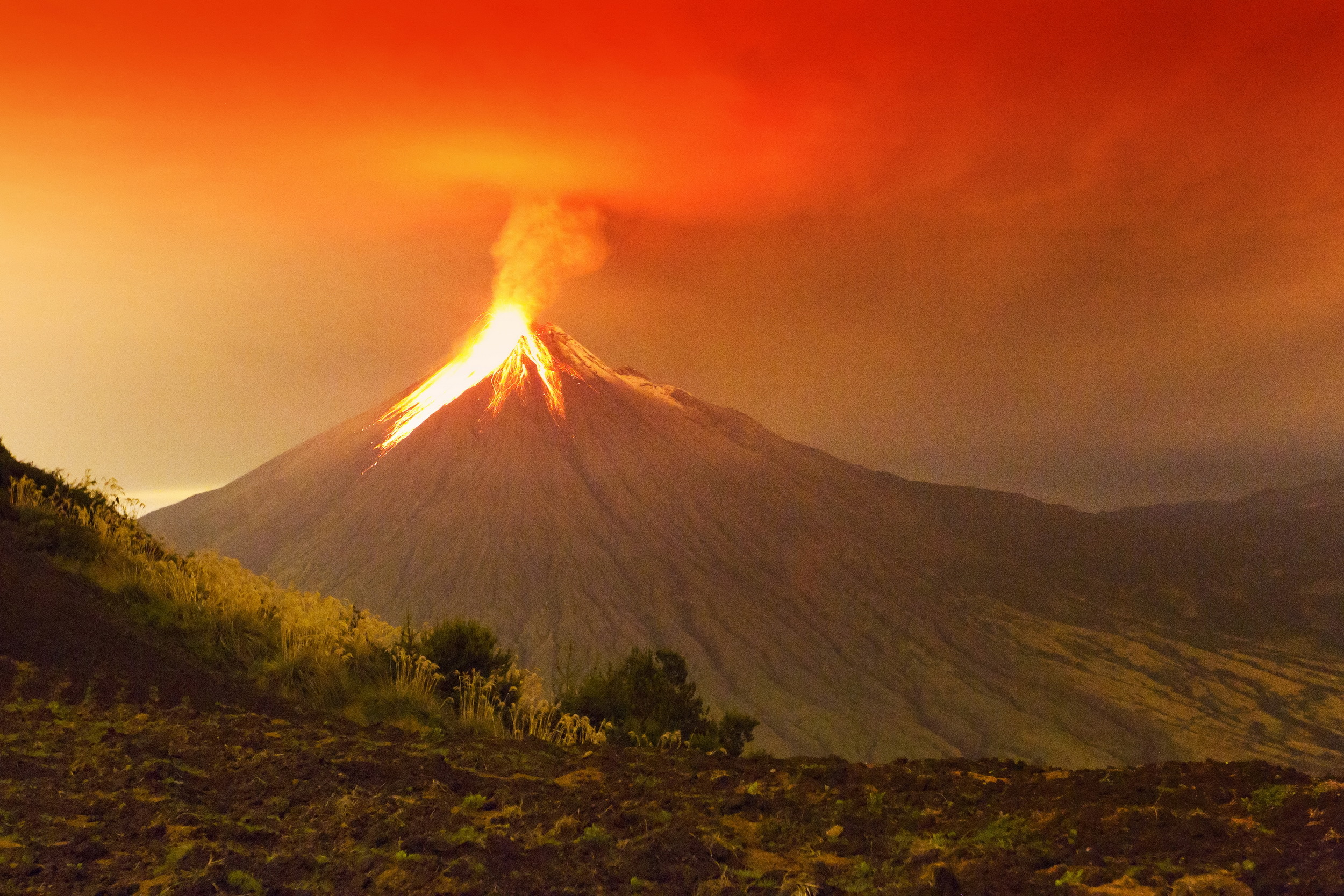 Satellite measurements and mathematical methods are helping scientists predict volcanic eruptions, according to a new study.