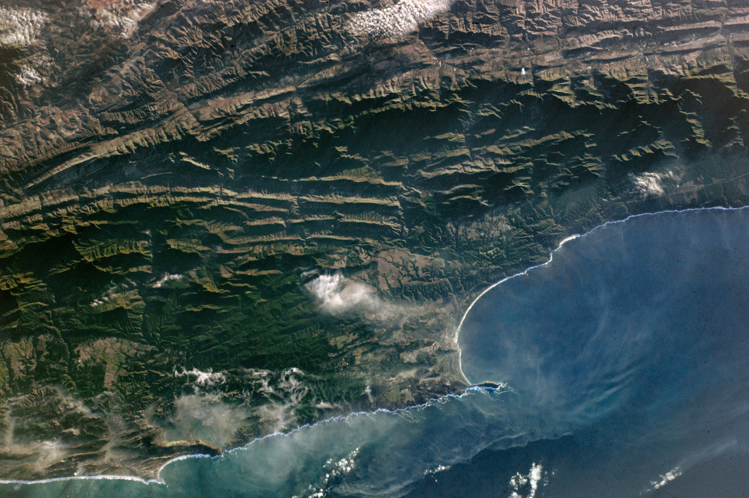Today's Image of the Day comes thanks to the NASA Earth Observatory and features a look at wildfires burning along South Africa's southern coast.