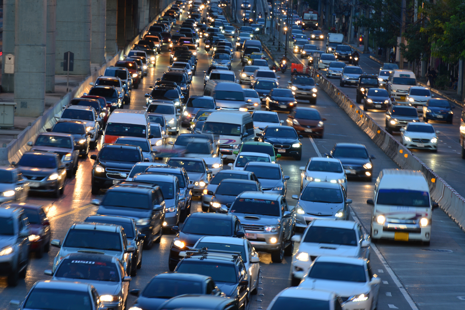 Policies that encourage carpooling do in fact drastically reduce traffic, according to a new study from MIT.