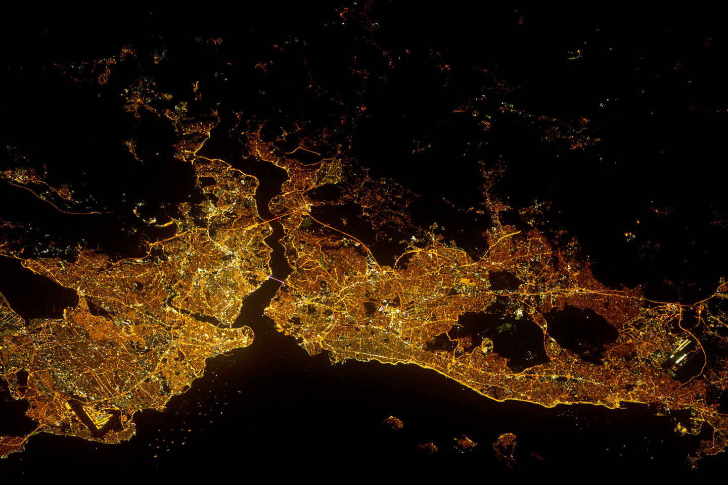 Today's Image of the Day comes thanks to the NASA Earth Observatory and features a look at the city of Istanbul at night.