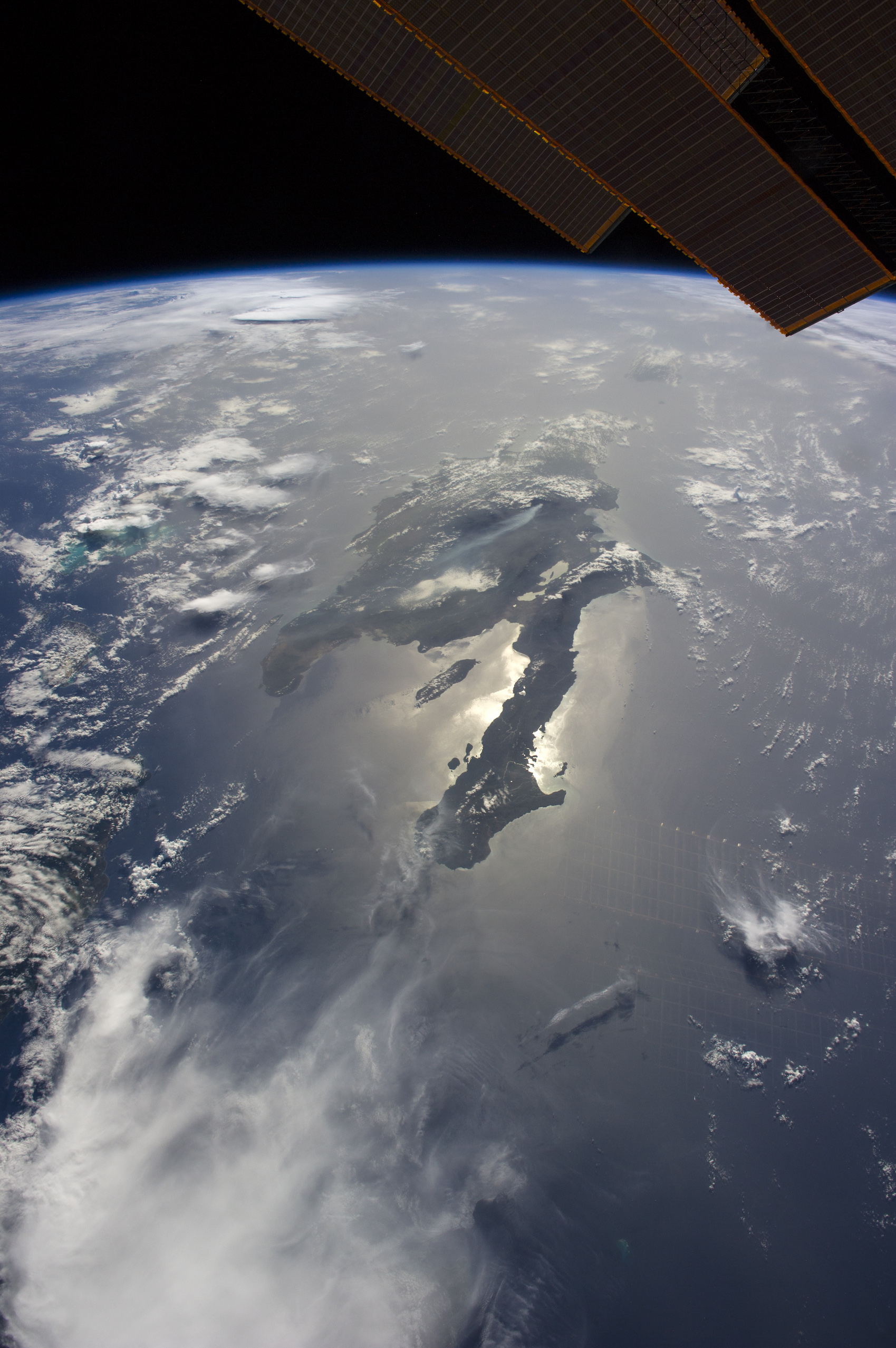 Today's Image of the Day comes thanks to the NASA Earth Observatory and features a look at the island of Hispaniola in the Caribbean Sea.
