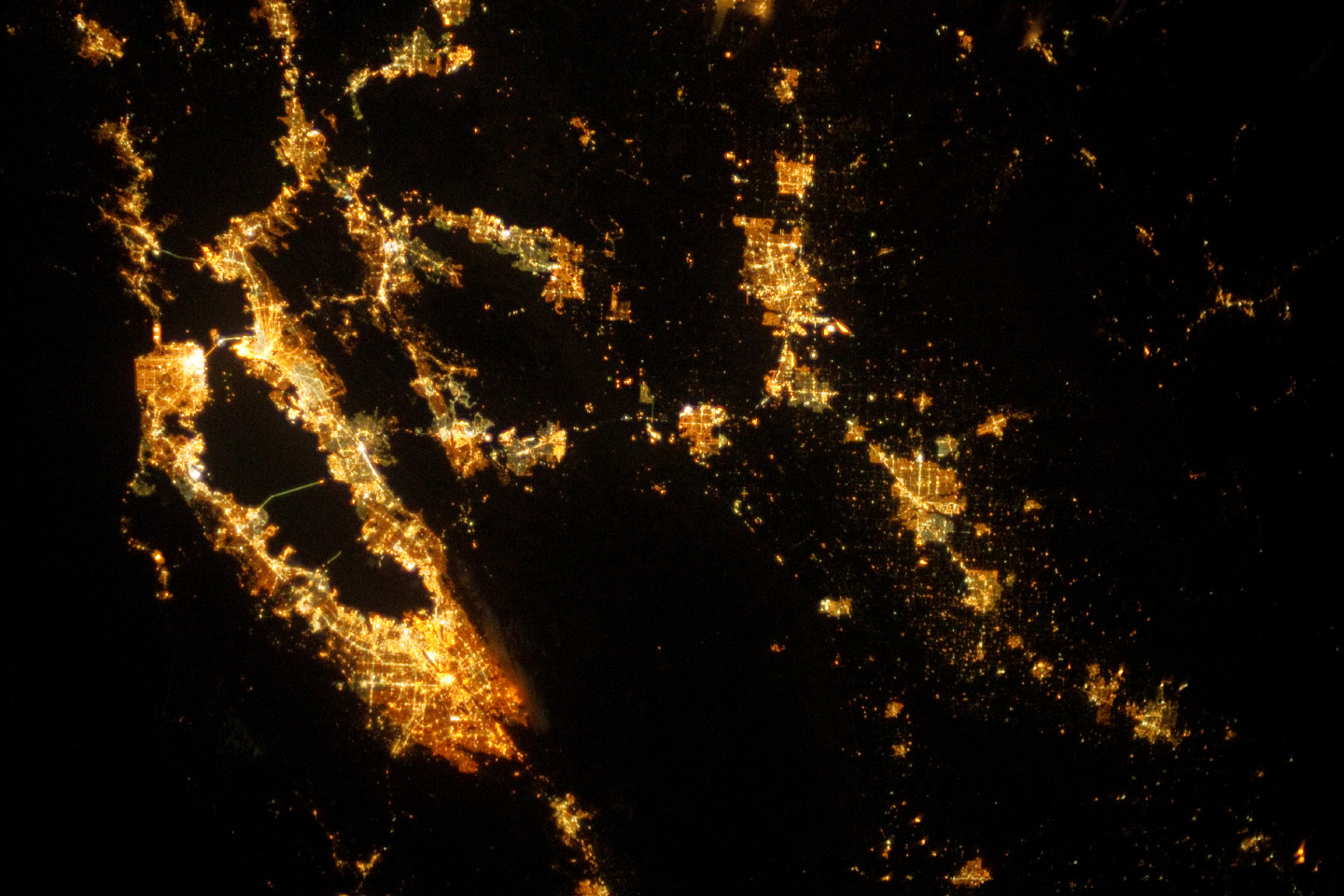 Today's Image of the Day comes thanks to the NASA Earth Observatory and features a look at the San Francisco area at night.