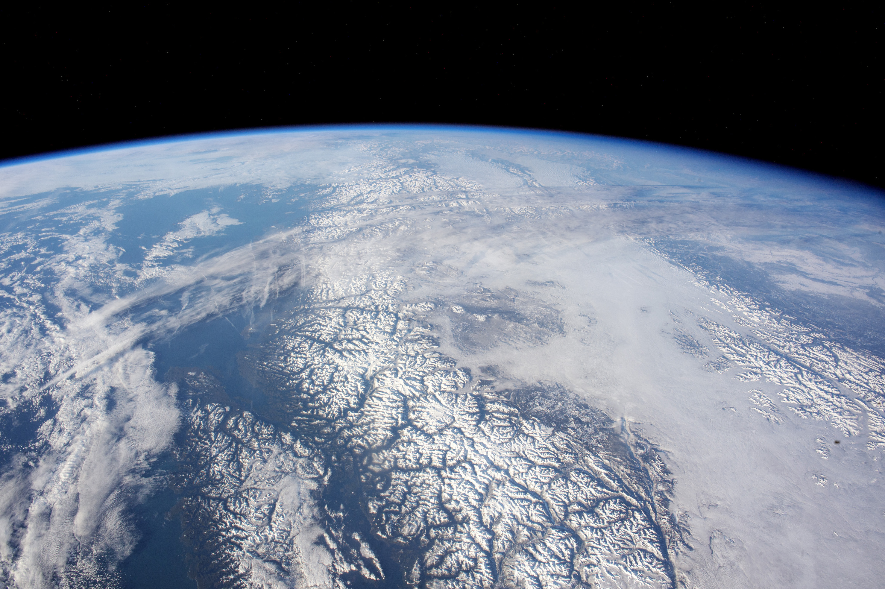 Today's Image of the Day comes thanks to the NASA Earth Observatory and features a look at a beautiful panoramic view of Canada.