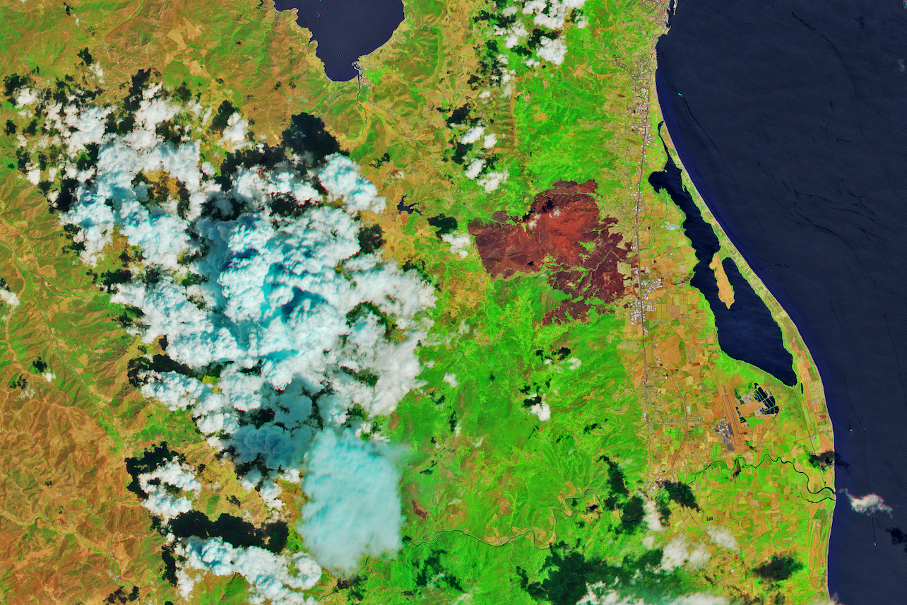 Today's Image of the Day comes thanks to the NASA Earth Observatory and features a look at wildfires burning in northern Corsica.