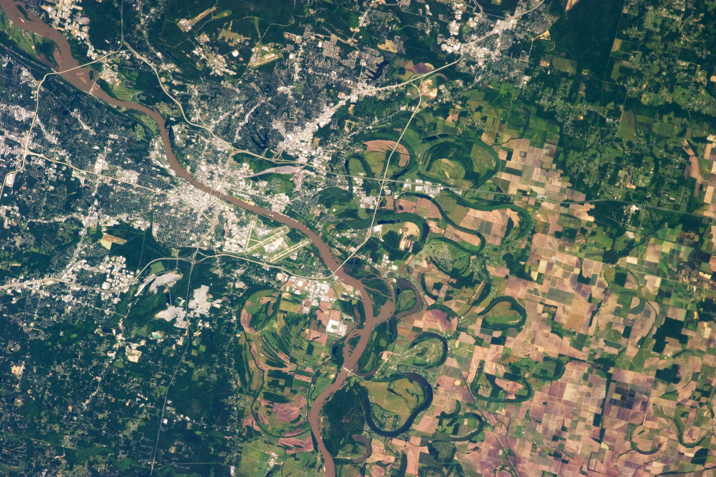 Today's Image of the Day comes thanks to the NASA Earth Observatory and features an overhead look at Little Rock, Arkansas.
