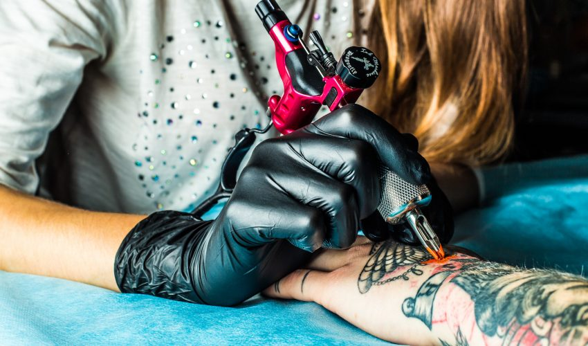 Researchers from Germany and France have determined that particles from tattoo ink can travel inside the body and reach the lymph nodes.