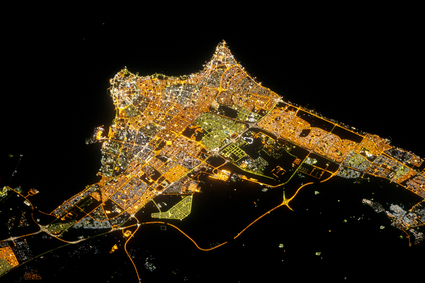 Today's Image of the Day comes thanks to the NASA Earth Observatory and features a look at the lights of Kuwait City at night.