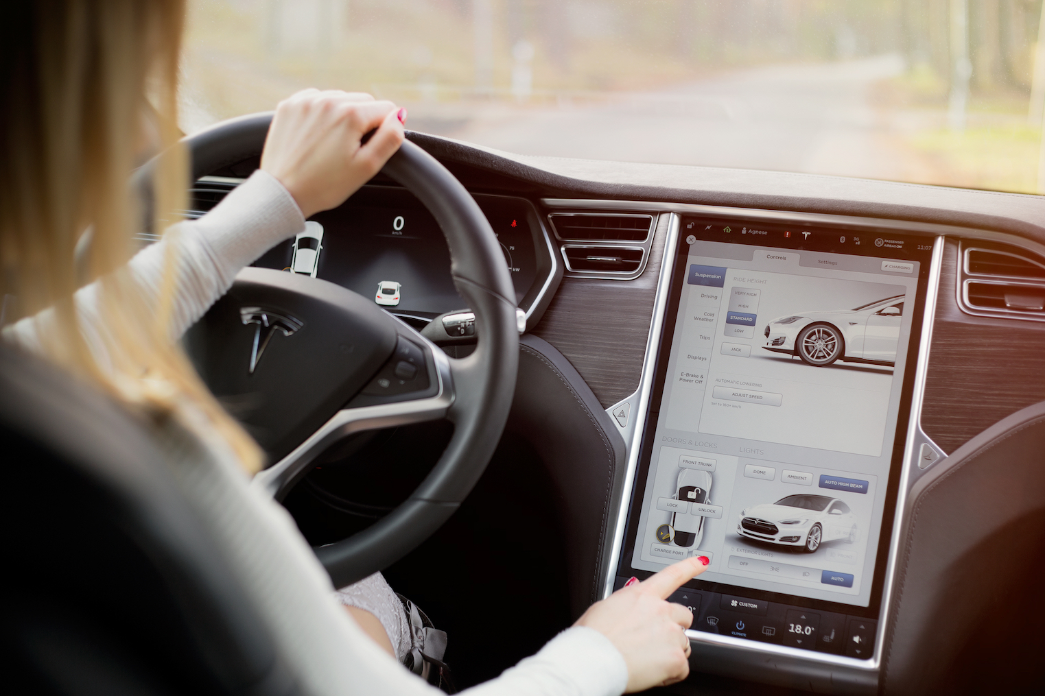 A new study has revealed that new high-tech car features take the driver's attention off the road for too long to be safe.