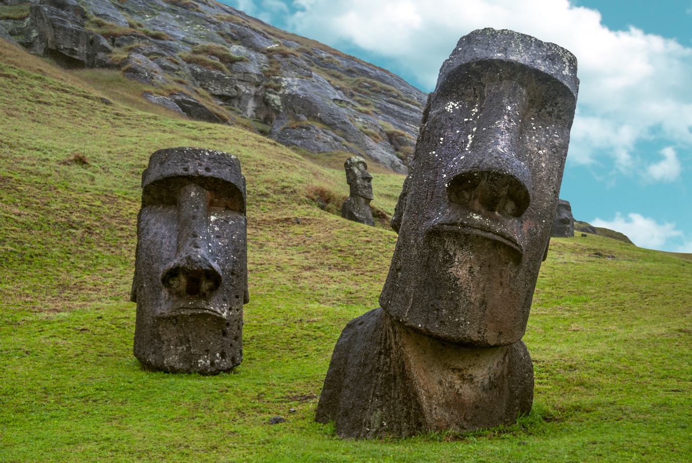 Easter Island in the southeastern Pacific Ocean is one of the most remote islands in the world, and also one of the most mysterious.
