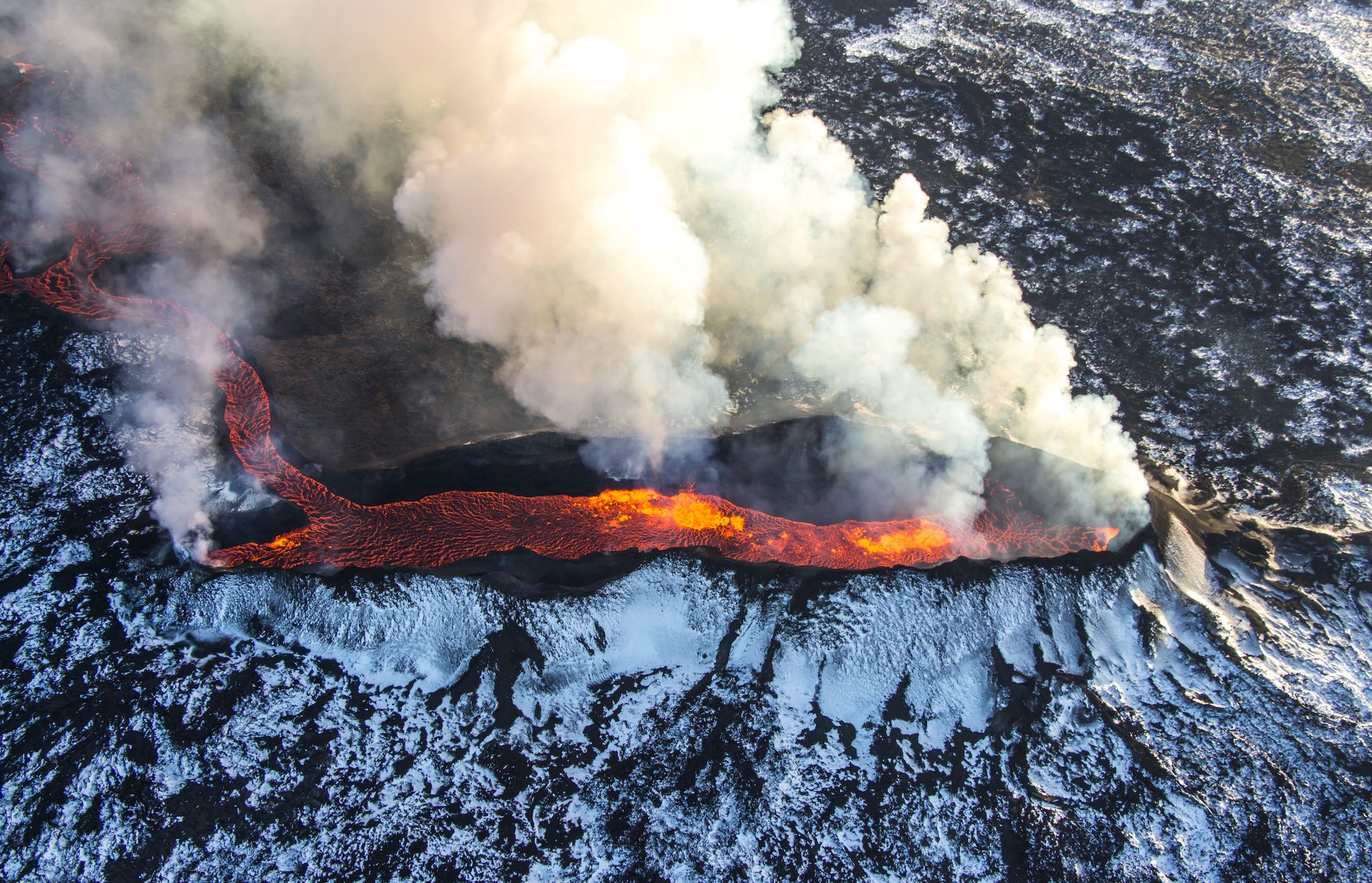 Scientists from The Earth Institute at Columbia University have now found a direct link between volcanic activity and melting ice sheets.