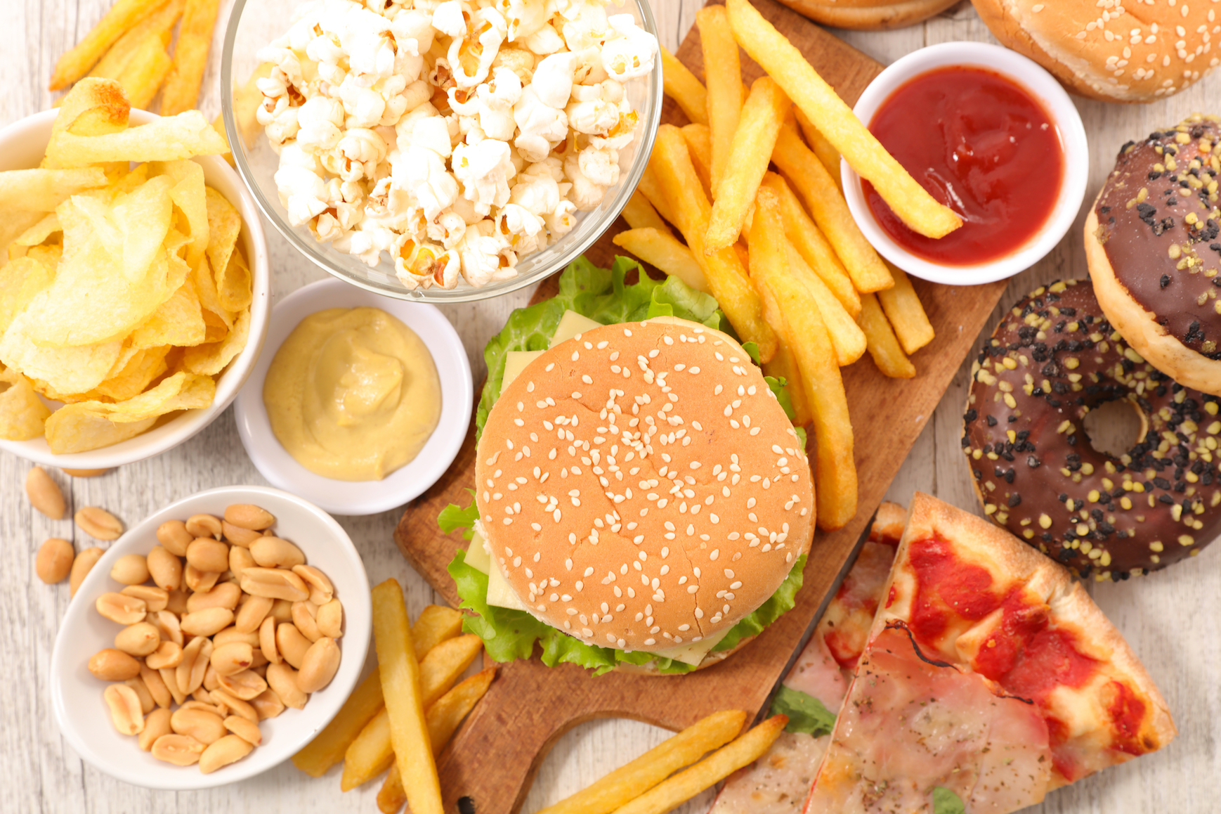 Well this explains a lot. A new study has found that junk food is actually twice as distracting as healthy food.