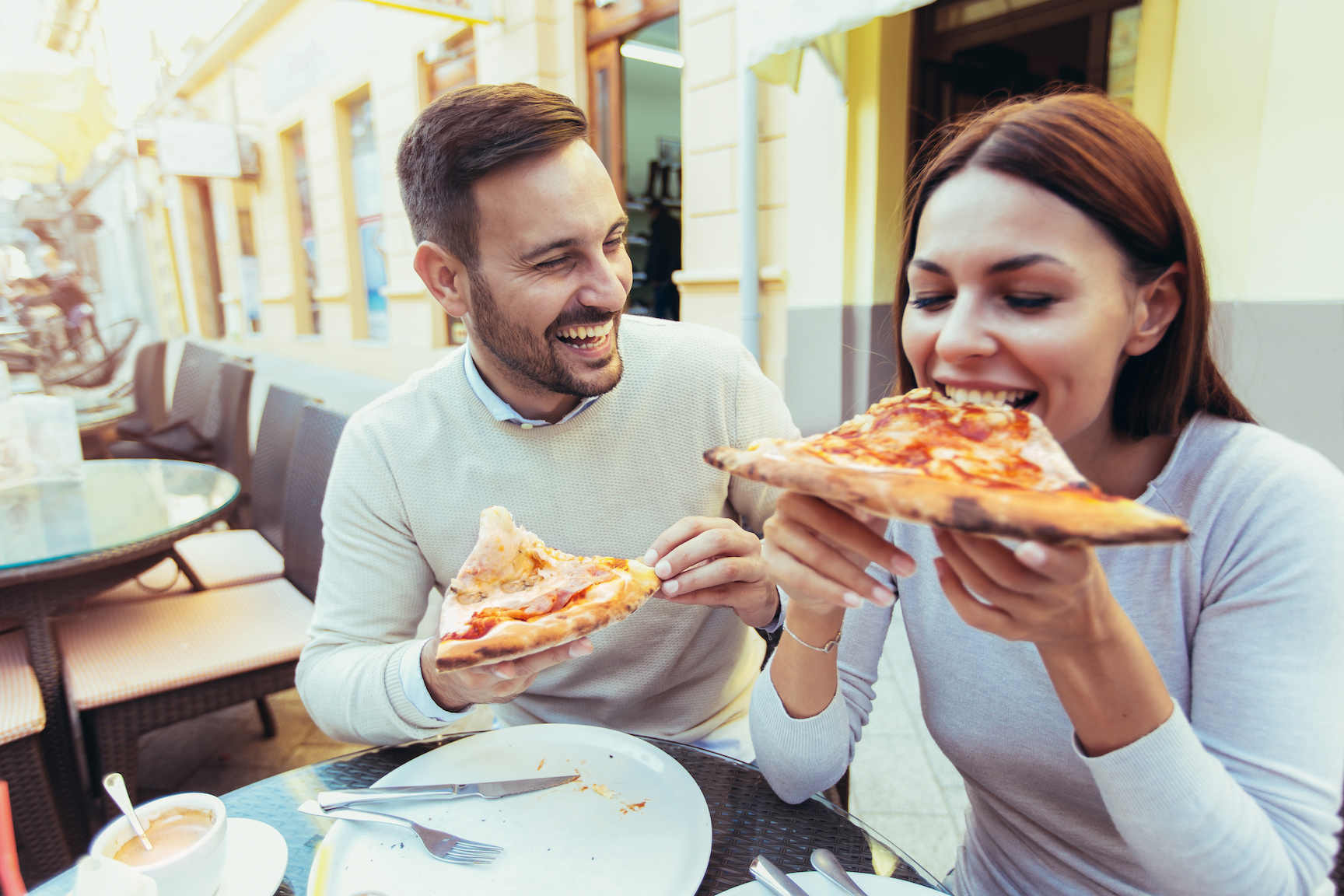 Research shows that a slower rate of eating lowers the risk of obesity and metabolic syndrome, and many other dangerous health risk factors.