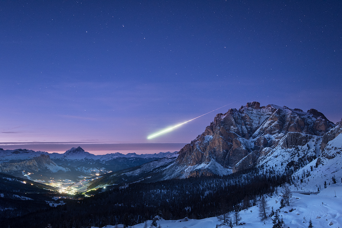 Today's Imageof the Day comes from ESA and photographer Ollie Taylor and features a look at a meteoroid captured at dusk in Italy.