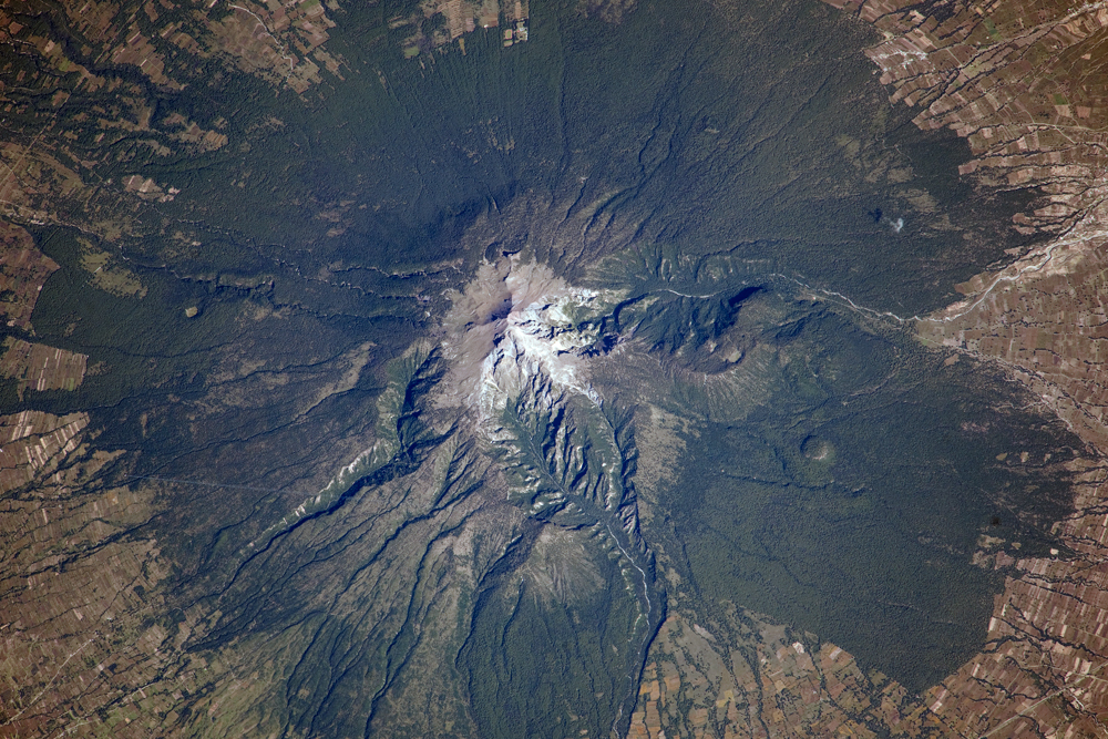 Today's Image of the Day comes courtesy of the NASA Earth Observatory and features a look at La Malinche volcano in Mexico.