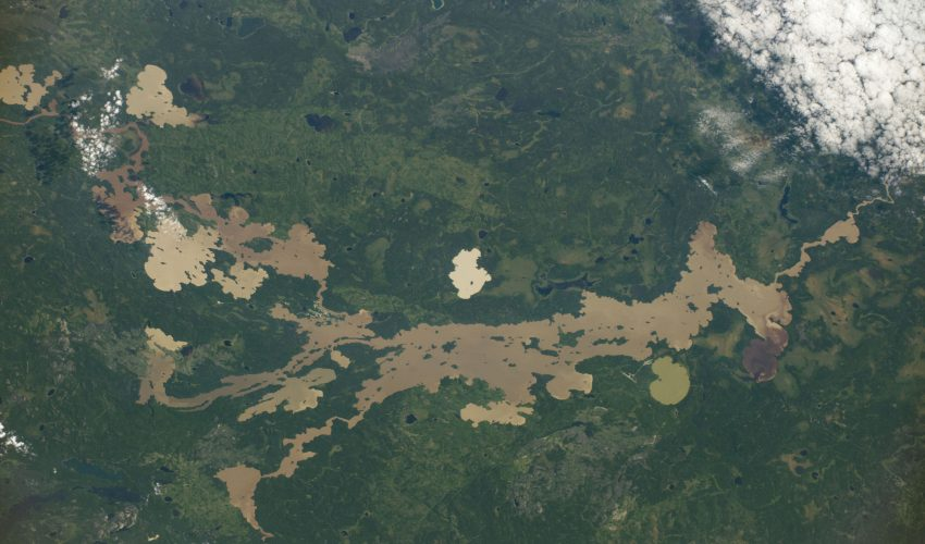 Today's Image of the Day comes courtesy of the NASA Earth Observatory and features a look at Sandy Lake located in northwest Ontario.