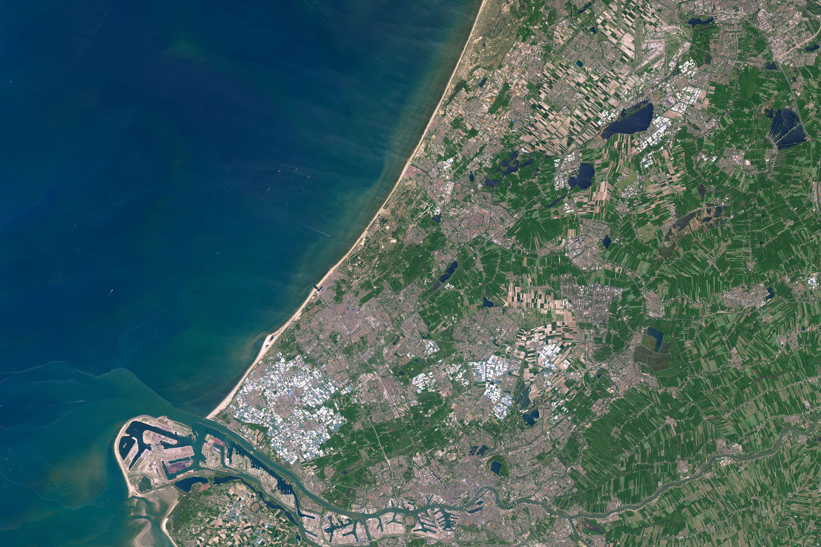 Today's Image of the Day comes courtesy of the NASA Earth Observatory and features a look at the city of Leiden, Holland.